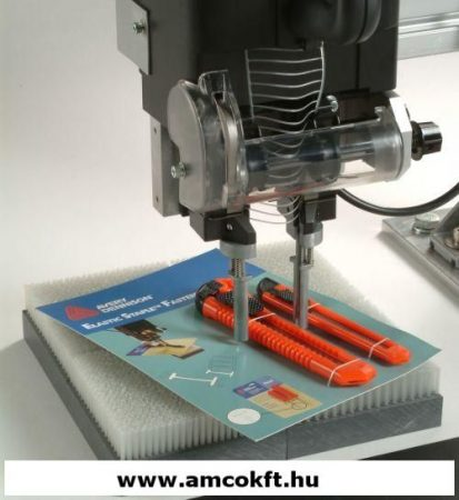 Használt AVERY DENNISON Műanyag tűzőgép